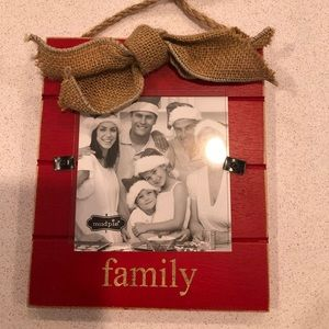 """Mud pie Holiday """"Family"""" hanging picture frame"""